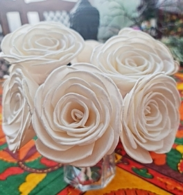 Premium Anna Roses with rope Approx 7 to 8 cm 6 flowers